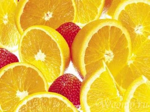 маска с соком клубники, апельсина и лимона